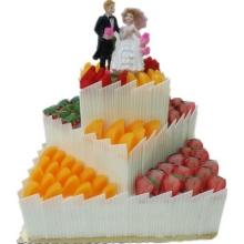 三层方形婚礼水果蛋糕图片