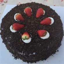 圆形黑森林蛋糕图片