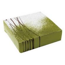 方形抹茶慕斯蛋糕图片