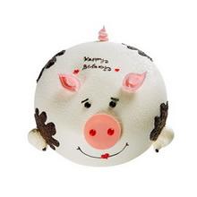 圆形生肖巧克力蛋糕,鲜奶裱花、巧克力装饰搭配制作成生肖猪造型