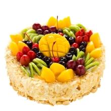 圆形水果蛋糕,各种时令水果铺面,花生碎围边