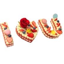 网红字母水果蛋糕图片