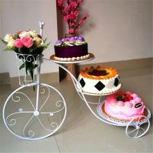 三层水果蛋糕图片