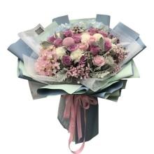 11朵紫玫瑰,2朵绣球花束图片