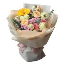 9朵玫瑰,康乃馨,向日葵花束图片