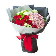 11支红玫瑰、1枝粉绣球花束图片