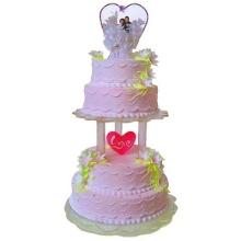四层圆形鲜奶蛋糕图片