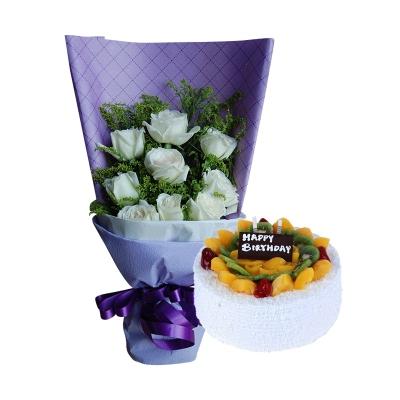 11枝白玫瑰+圆形水果蛋糕图片