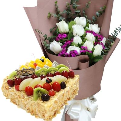 11朵白玫瑰+方形水果蛋糕图片