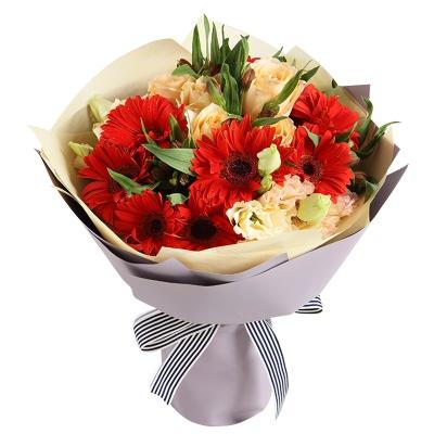 红色太阳花10枝,香槟玫瑰5枝图片