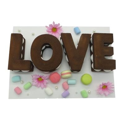 字母巧克力蛋糕图片