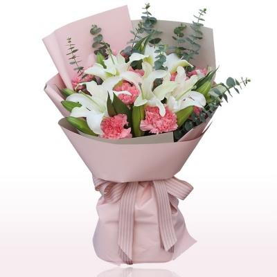 11朵粉色康乃馨,4支多头白百合图片