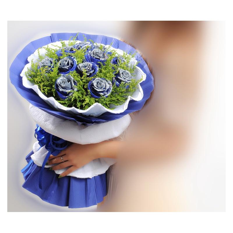 11枝蓝玫+圆形水果蛋糕图片