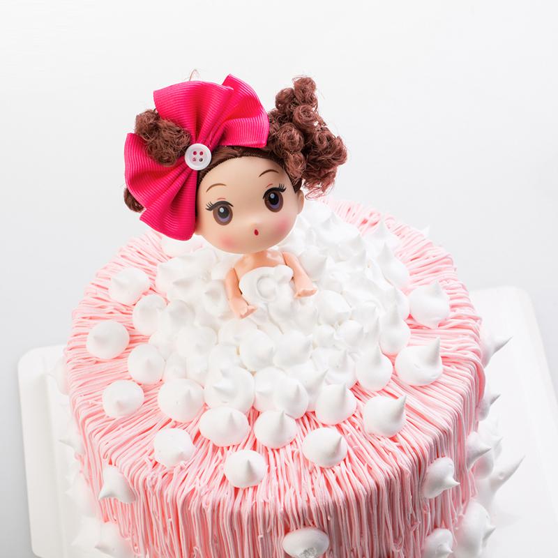 圆形卡通泡泡浴芭比鲜奶蛋糕图片