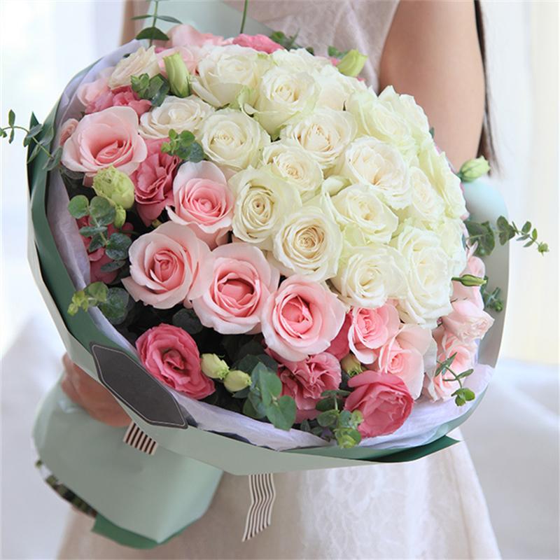 各色玫瑰共36枝图片