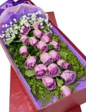 19枝紫色玫瑰,黄莺,满天星搭配