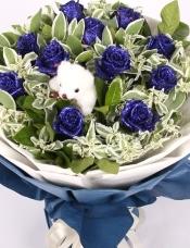 11朵蓝玫瑰深蓝色包装+1只小熊
