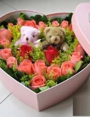 2只小熊,2朵红玫瑰,19支粉色玫瑰围绕,配材适量