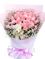 19枝戴安娜玫瑰,5公分小熊一只,满天星适量围绕