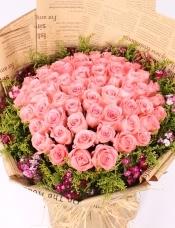 精心挑选66朵昆明粉玫瑰,点缀黄莺,相思梅,美丽迷人