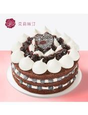 慕斯蛋糕:由芒果果溶淋面、稀奶油、可可蛋糕芒果慕斯等制作
