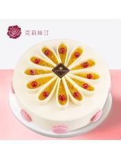 慕斯蛋糕:由芒果果馅、椰子慕斯、原味戚风蛋糕、芒果慕斯、可可戚风蛋糕等制作