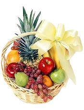 苹果、提子、鲜橙、梨、香蕉、菠萝等时令水果。