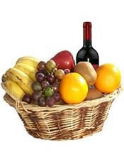 葡萄、香蕉、猕猴桃、蛇果、鲜橙等时令水果+1瓶恺撒庄园干红 。