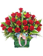 50枝红玫瑰,黄英、绿叶间插搭配