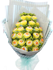 24枝深香槟色玫瑰,双层独立包装。八卦叶间插。(购买前请提前咨询深香槟色玫瑰是否有货)