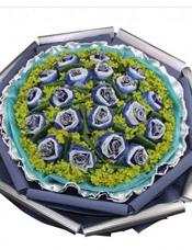 21枝蓝玫瑰独立包装,叶上黄金丰满,巴西木叶穿插