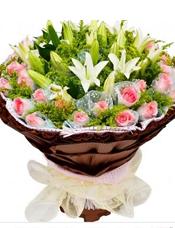 36枝粉玫瑰独立包装,6枝多头白百合、黄英丰满。
