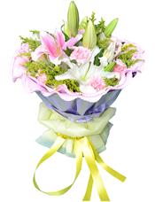 2枝白色多头香水百合、2枝粉色多头香水百合,9枝粉色康乃馨,绿叶、黄英间插