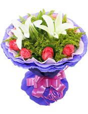 8枝粉玫瑰,两枝白百合,黄莺点缀