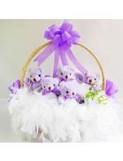 9只紫色泰迪关节小熊(四肢可活动)加白色羽毛,进口法式材料!精美花篮~  站高:40cm左右宽度: 35cm左右