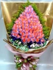 99枝粉红玫瑰,配合日式手抱包装