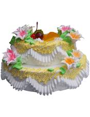 双层鲜奶水果蛋糕,奶油花装饰,时令水果装饰