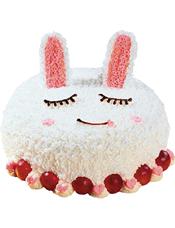 可爱小兔形状蛋糕,时令水果装饰。(该款为艺术蛋糕,请提前咨询客服是否能做)