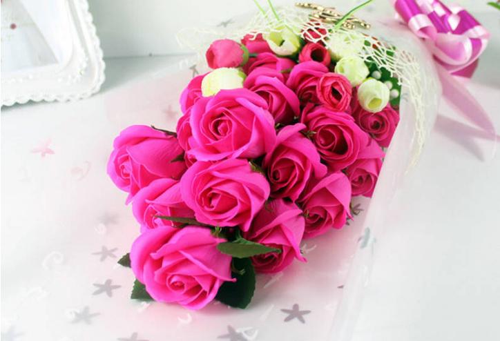 玫红色玫瑰花语